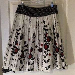 Metro Wear midi skirt white black red floral M